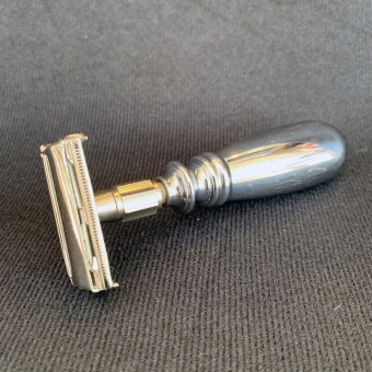 The Chubby Butterfly Razor