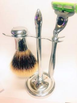 Anatori Bursh and Razor Set