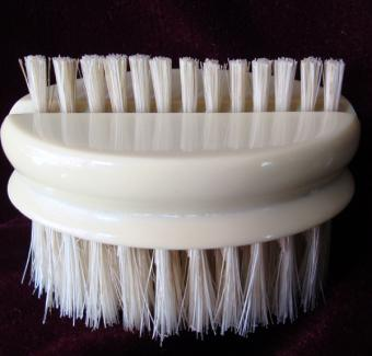 Travel hair & nail brush