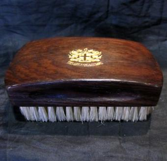 Nail brush rosewood