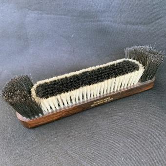 Snooker brush